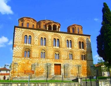 Ιερός Ναός Παναγίας Παρηγορήτισσας στην Άρτα