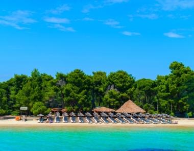 Παραλία Κουκουναριές (Χρυσή Άμμος) στη Σκιάθο