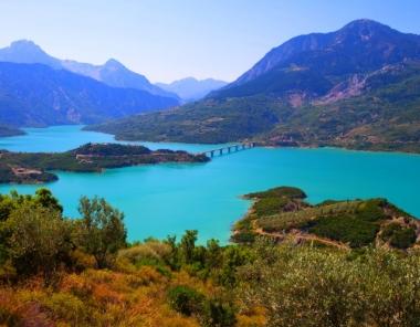 Λίμνη Κρεμαστών στην Ευρυτανία